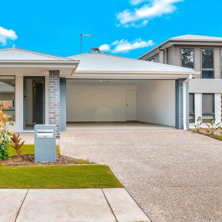 Rent this 4 bed house on 12 Jacaranda Close