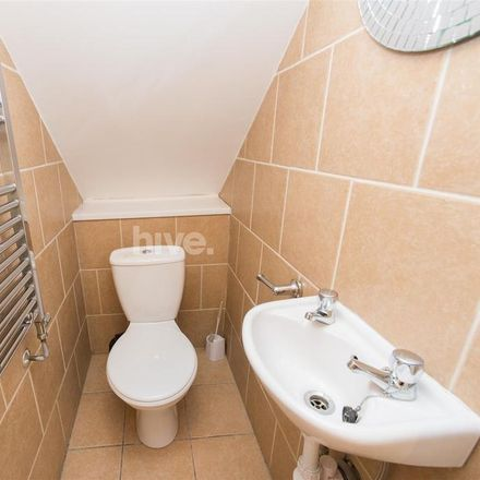 Rent this 6 bed apartment on Grosvenor Road in Newcastle upon Tyne NE2 2RJ, United Kingdom