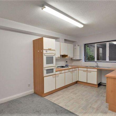 Rent this 2 bed apartment on Park Avenue in Sefton PR9 9LS, United Kingdom