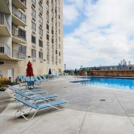 Rent this 1 bed apartment on Manhattan Avenue in Union City, NJ 07087