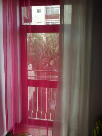 Rent this 4 bed room on Rua General Humberto Delgado in 3030-183 Santo António dos Olivais, Portugal