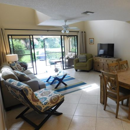 Rent this 3 bed townhouse on Treasure Isle Dr in West Palm Beach, FL