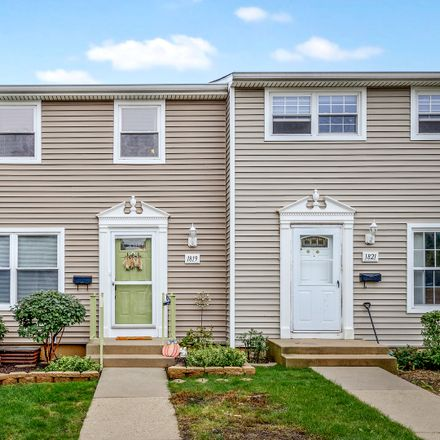 Rent this 2 bed townhouse on 1819 Carlisle Court in Schaumburg, IL 60194