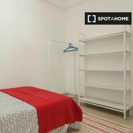 Rent this 11 bed apartment on Praça Ginásio Clube Português in Rua das Amoreiras, 1250-090 Lisbon
