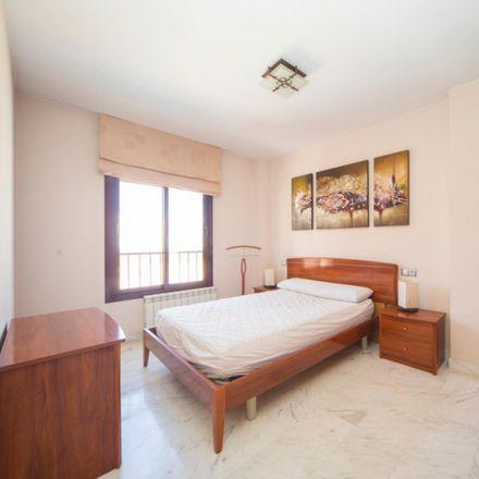 Rent this 2 bed apartment on Calle Playa Santiago in 18014 Granada, Spain