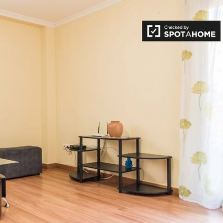 Rent this 2 bed apartment on Carrer de Pere Montsoriu in 46000 Valencia, Spain