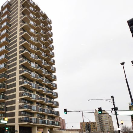Rent this 1 bed condo on Granville Tower in 6166 North Sheridan Road, Chicago