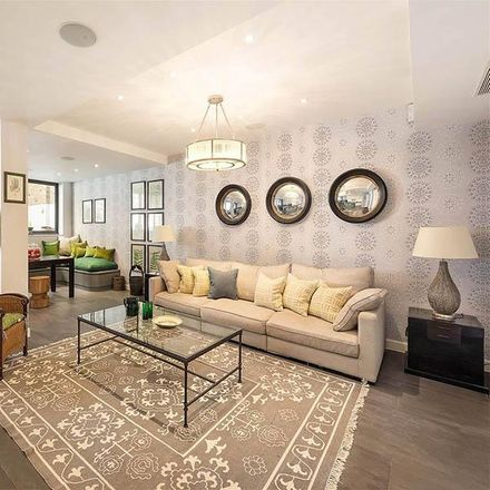 Rent this 6 bed house on Farrier Walk in London SW10 9NB, United Kingdom