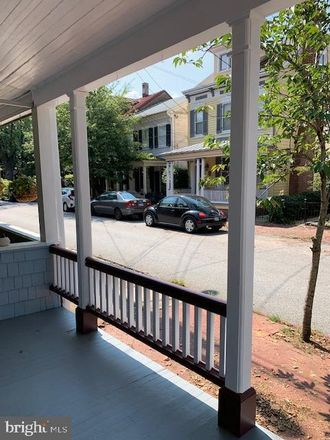 Rent this 3 bed townhouse on 130 Conduit Street in Annapolis, MD 21401