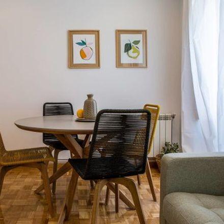 Rent this 5 bed apartment on Farmacia - Avenida Felipe II 13 in Avenida Felipe II, 13