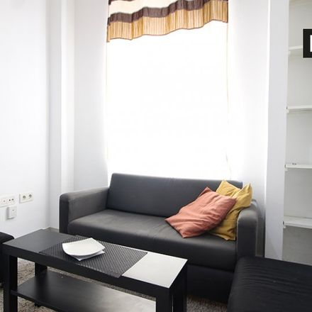 Rent this 1 bed apartment on La Sirena in Calle de Caramuel, 4