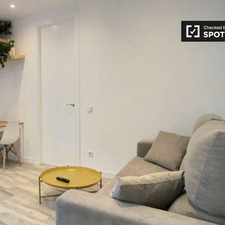 Rent this 1 bed apartment on Microteatro in Calle de Loreto Prado y Enrique Chicote, 9