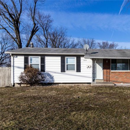 Rent this 3 bed house on Humes Ln in Florissant, MO