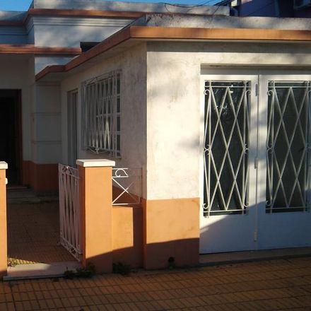 Rent this 3 bed apartment on Peña 855 in Partido de Lomas de Zamora, 1828 Banfield