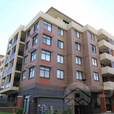 Rent this 3 bed apartment on 3307/90 Belmore Street