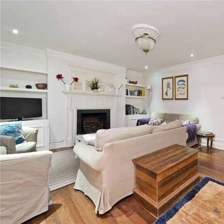 Rent this 3 bed apartment on London House Hotel in 78-82 Kensington Gardens Square, London W2 4DJ