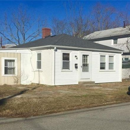 Rent this 2 bed house on 49 Meridan Street in Warwick, RI 02889