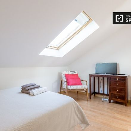 Rent this 2 bed apartment on Rua Padre Abel Varzim in 1800-233 Lisbon, Portugal