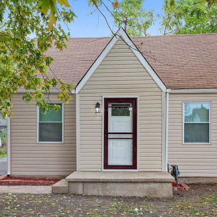 Rent this 3 bed house on West 72nd Street in Chicago, IL 60629