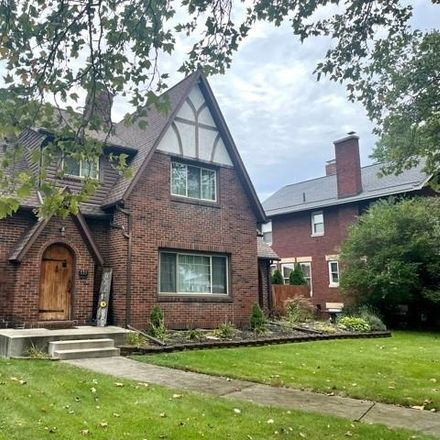 Rent this 3 bed house on 535 East Iron Avenue in Dover, OH 44622