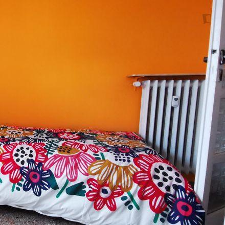 Rent this 3 bed room on Scuola I.C. Volsinio (plesso S.M.Goretti) in Via Tigrè, 00199 Rome RM
