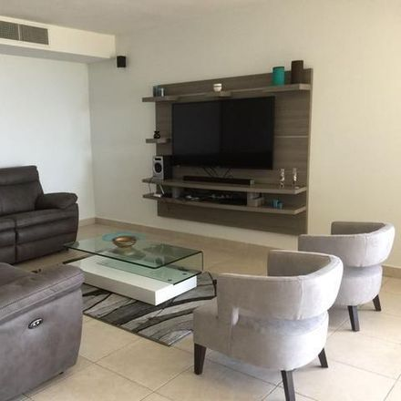 Rent this 3 bed condo on PR 00692