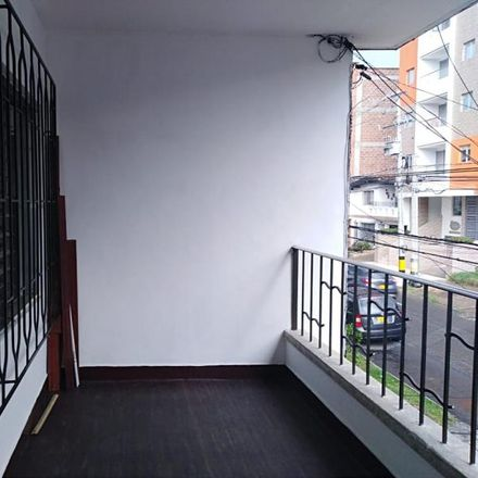 Rent this 4 bed apartment on Hogar Geriátrico Cumbres Otoñales in Calle 31A, Comuna 16 - Belén