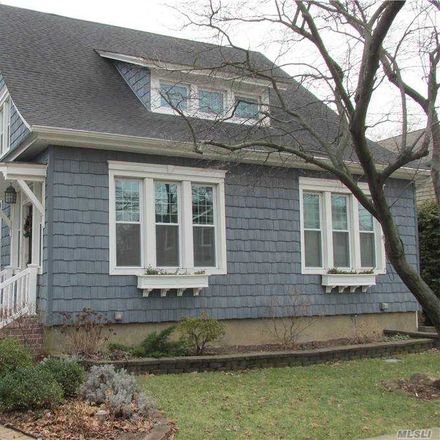 Rent this 2 bed house on 262 Crocus Avenue in Floral Park, NY 11001