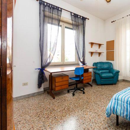 Rent this 3 bed room on Tigelleria Romana in Via Ostiense, 73