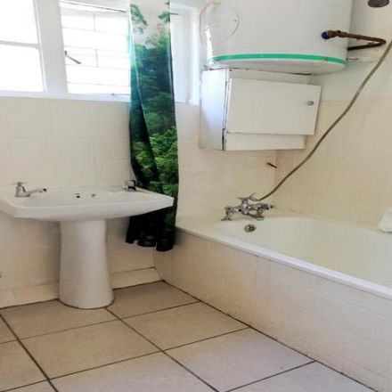 Rent this 2 bed apartment on Pearl Court in Davenport Road, Vredehoek