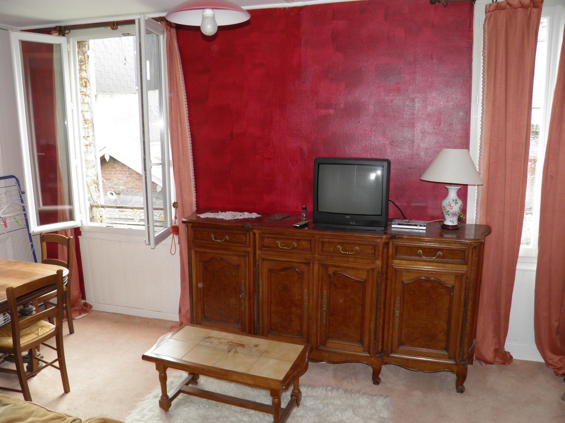 Meuble Four Plaque Induction apartment at 28 rue de neustrie, 76600 le havre, france