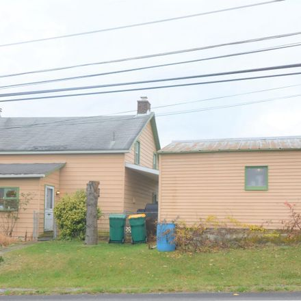 Rent this 3 bed house on 2175 Community Dr in Bath, PA
