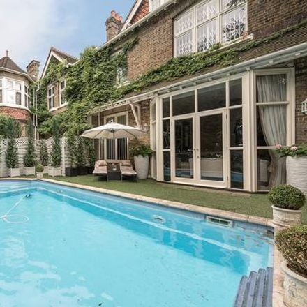 Rent this 7 bed house on 71 Frognal in London NW3 6XD, United Kingdom