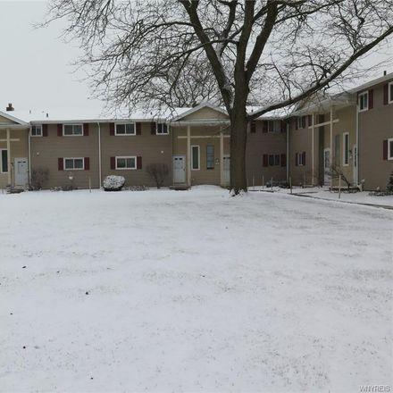 Rent this 3 bed apartment on Tuscarora Road in Niagara Falls, NY 14304