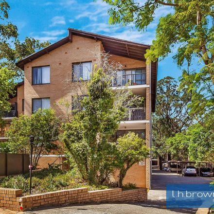 Rent this 2 bed apartment on Unit 2/33-35 Sir Joseph Banks Street