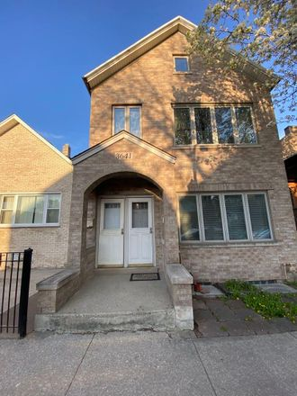 Rent this 8 bed duplex on 3641 South Union Avenue in Chicago, IL 60609