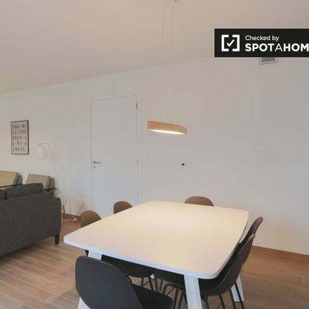 Rent this 2 bed apartment on Chaussée de Wavre - Waversesteenweg 1141 in 1160 Auderghem - Oudergem, Belgium