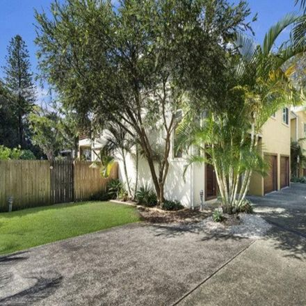 Rent this 3 bed townhouse on 3/61 Muir Street
