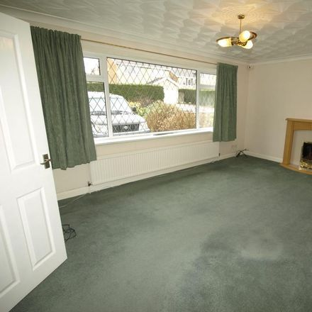 Rent this 3 bed house on 28 Wharfedale Road in Barnsley S75 2LJ, United Kingdom
