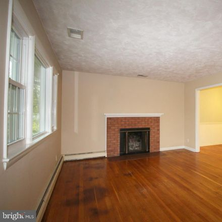 Rent this 4 bed house on 401 North Oak Street in Falls Church, VA 22046