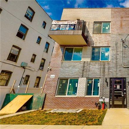 Rent this 3 bed condo on 67th St in Brooklyn, NY