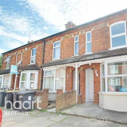 Rent this 5 bed house on Bridge Road in Bedford MK42 9LF, United Kingdom