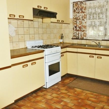 Rent this 4 bed house on 38 Esdale Street