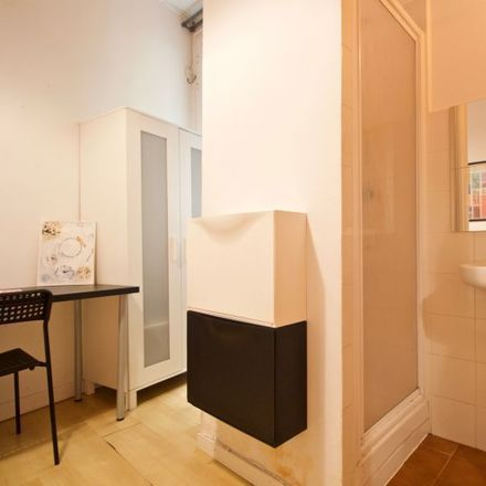 Rent this 0 bed room on Plaza de las Salesas in 10, 28004 Madrid