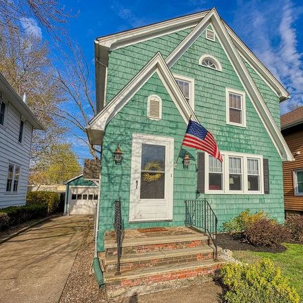 Rent this 3 bed house on 14 Elmwood Park West in Tonawanda, NY 14150