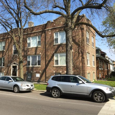 Rent this 2 bed townhouse on 6040 West Wrightwood Avenue in Chicago, IL 60639