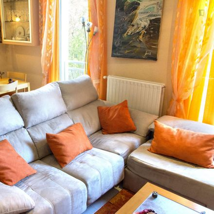 Rent this 3 bed room on Calle de los Embajadores in 52, 28012 Madrid