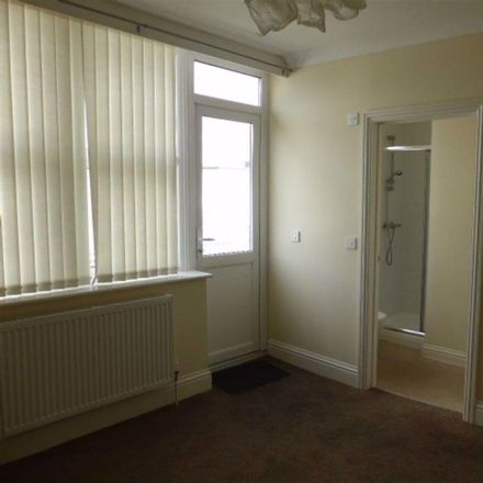 Rent this 3 bed apartment on Leisure Amusements in Torbay Road, Paignton TQ4 6AJ