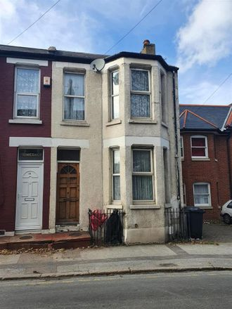 Rent this 2 bed house on 27 Victoria Road in Margate CT9 1LW, United Kingdom
