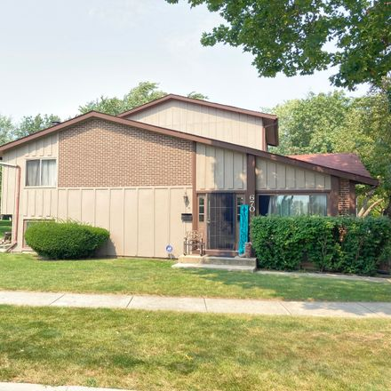 Rent this 3 bed townhouse on 670 Circle Drive in Roselle, IL 60172